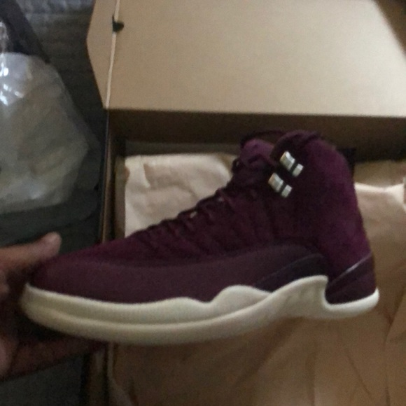 ba11f3279e8b AIR JORDAN RETRO 12-BURGUNDY AND WHITE